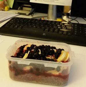 Das ist eine Lock&Lock Box mit einem Chia-Pudding