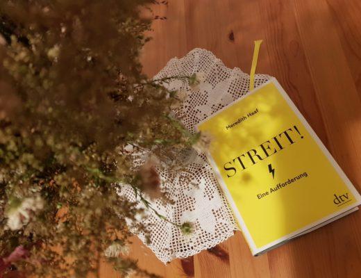 Das Buch Streit! von Meredith Haaf sieht aggressiv aus, ist aber versöhnlich.